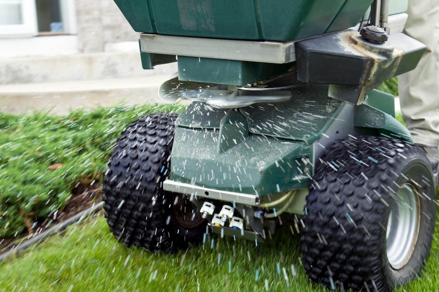 Fertilizer Services for Business and Commercial Properties in Grand Rapids MI - ProMowLandscape.com